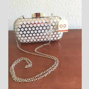 Metal pillbox convertible clutch